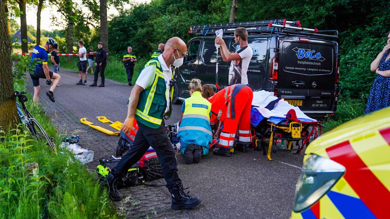 Wielrenner ernstig gewond bij aanrijding