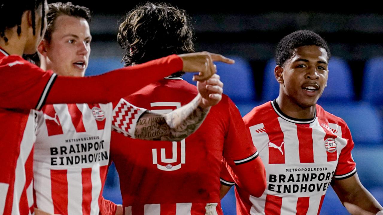 Winst in eigen huis voor Jong PSV