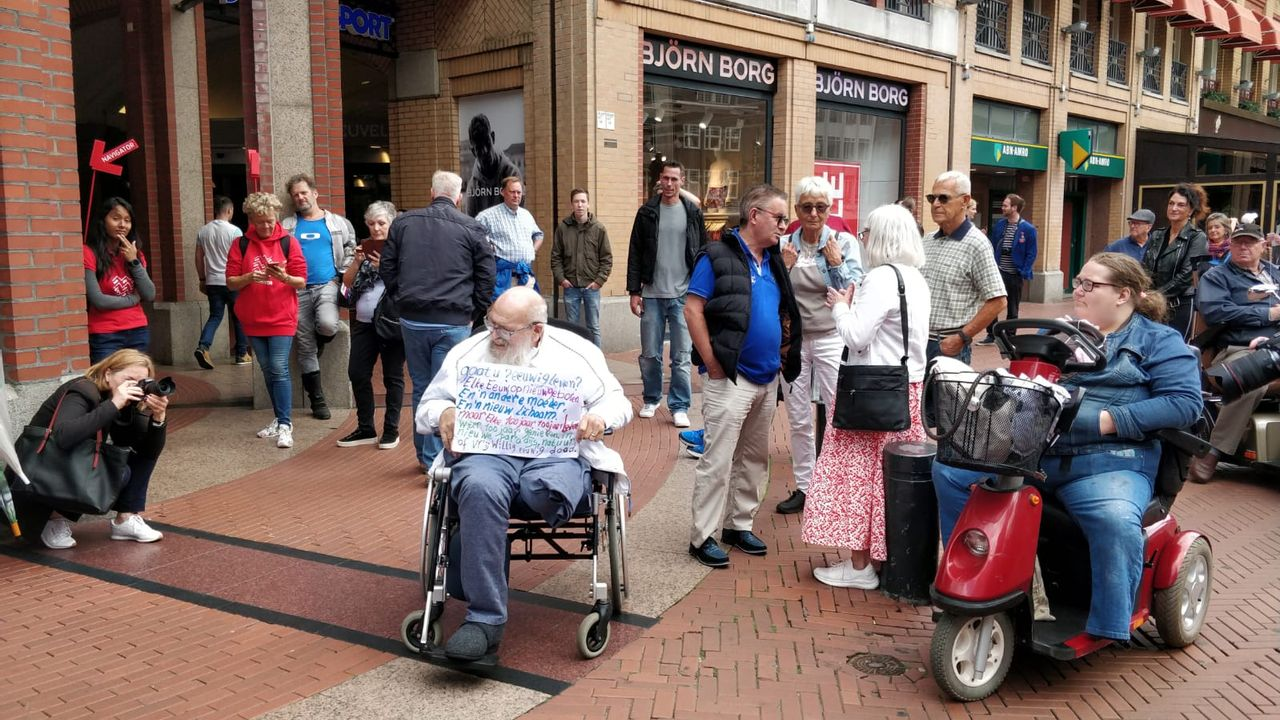 Eindhoven treurt om dood stadsprediker Arnol Kox