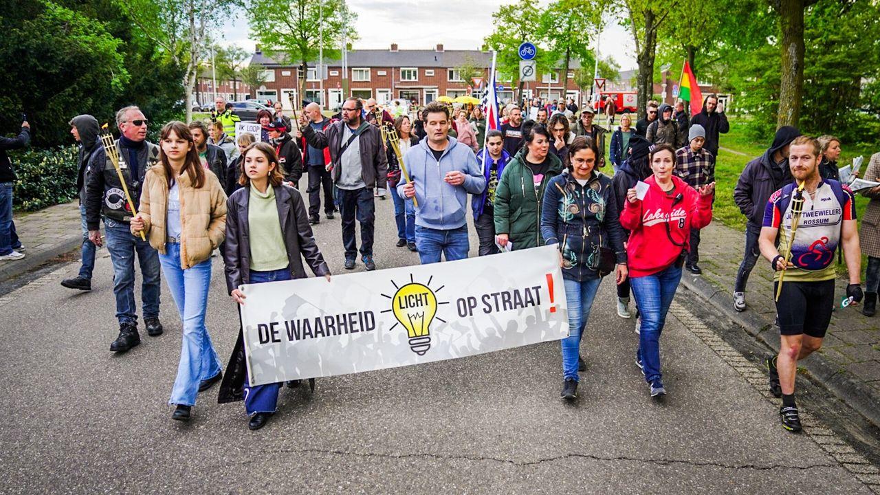 Protest tegen coronamaatregelen in Eindhoven: 'Waar is de griep?'