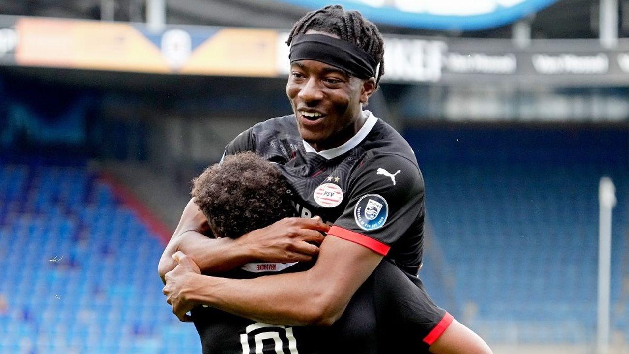 PSV blijft tweede na overwinning op Willem II