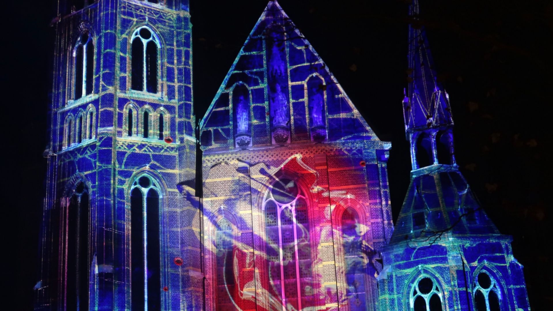 Glow 2019_ Kerk