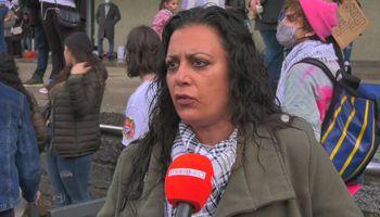 Demonstranten op de barricade voor Palestina