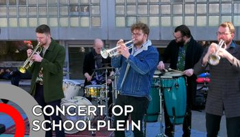 Musici geven speciaal concert op schoolplein