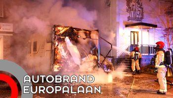 Camper en auto Europalaan gaan in vlammen op