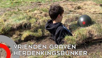 Jongens graven bunker om oorlog te herdenken