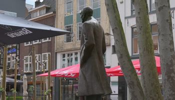 Standbeeld voor Gerard Philips